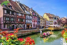 Những con phố sặc sỡ, bùng nổ màu sắc nhất châu Âu