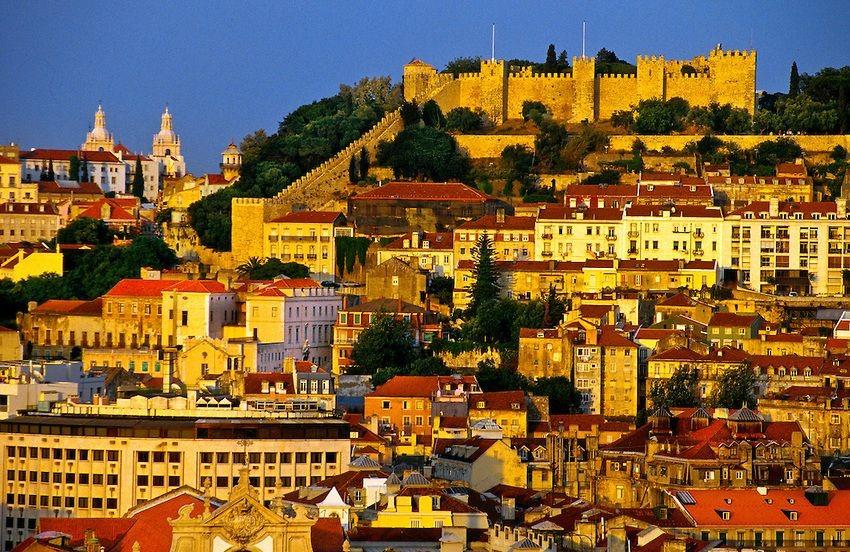 Cùng du lịch Á Châu đến với Sao Jorge Castle ở Bồ Đào Nha